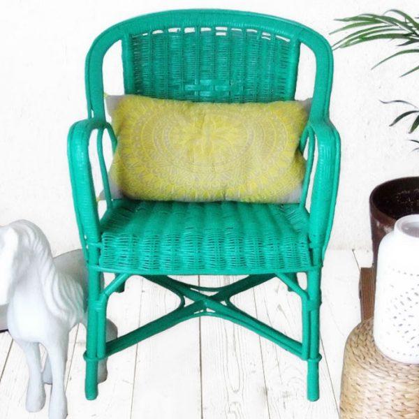 relooking fauteuil rotin laque décorative vert emeraude kubbicolor